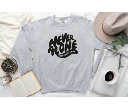 """Pull """"Never Alone"""" (gris)"""